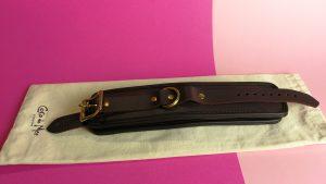 Coco de mer leather spreader bar en wrist cuffs