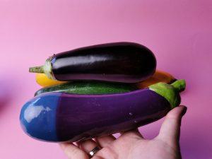 Selfdelve eggplant dildo