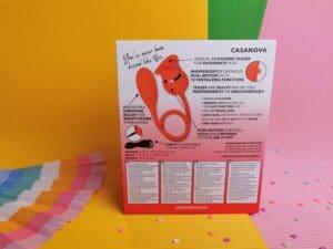 De achterkant van de verpakking van de calexotics french kiss casanova
